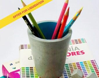 Pen of concrete, Desktop Organizer. Cement pen. Handmade.