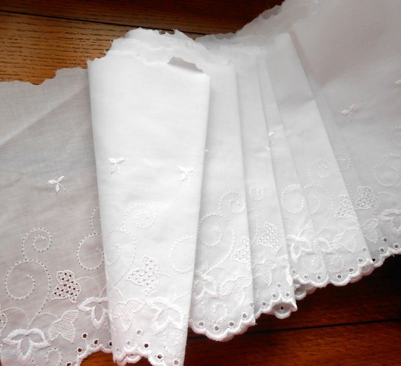 Wide White Eyelet Lace 10 Yds