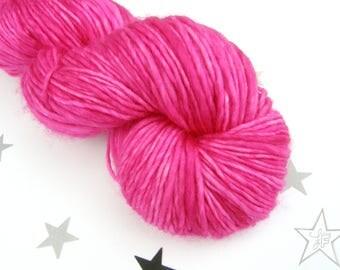 La merveilleuse yarn worsted merino superwash 1 ply hand dyed pink magenta fushia