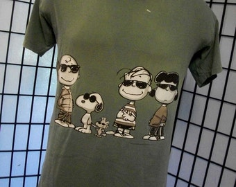 Peanuts Charlie Brown Snoopy & Peanuts Gang tee by Changes green shirt large l