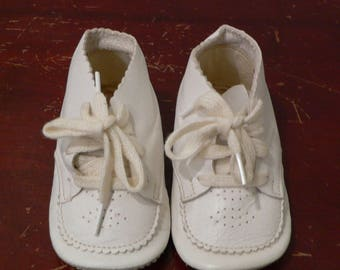 Vintage 1950s White Leather Baby Shoes with Ties