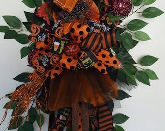 Halloween Witch Wreath, Witch Wreath, Halloween Decor, Door Decor, Witch Decor, Floral witch Decor, whimsical Witch Wreath, Fall Decor