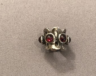 Vintage Bead with Garnets in a Sterling Silver Setting
