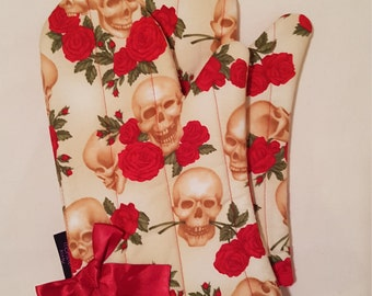 Skull and Red Roses Oven Mitts!