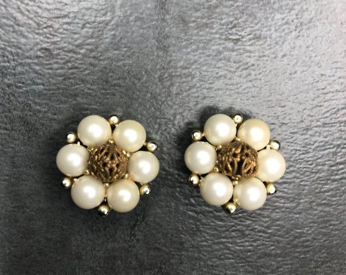 Vintage Estate Lisner Gold Tone Faux Pearl Filigree Clip On Earring