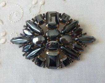 Huege  vintage  black anthracite rhinestone  pin brooch