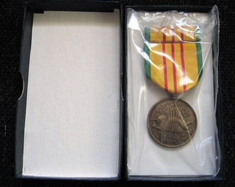 c 1960s Vintage Vietnam Service Medal - 4 Campaign Stars Dated 1969, with original box, medal is sealed and unopened