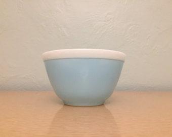 Pyrex Americana Blue with White Rim Mixing Bowl #401, 1.5 pt.
