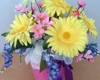 Spring flowers - Beautiful arrangement with yellow daisies - Home / Office decor, flower gifts