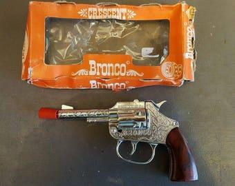CRESCENT 'BRONCO' Vintage boxed Cap Gun Toy