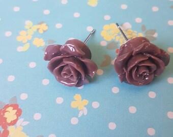 Brown flower shaped vintage style earrings