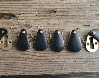 A set of 6 ebonised teak wood and brass pear drop door keyhole cover escutcheon key hole N3