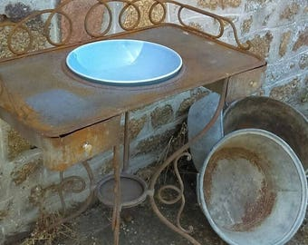 Beautiful French wrought iron wash stand with aperture for bowl and undertier for jug