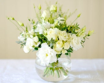 Thinking Of You White Seasonal Fresh Flower Bouquet | Perfect White Bloom Hand-Tied Bouquet | Birthday Anniversary Thank You Gift