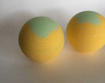Lemon verbena bath bombs -  large bath bomb - lemon - fizzy - bathtime