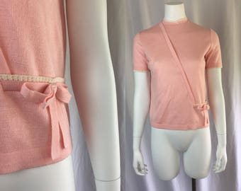 Small/medium ** 1960s BUBBLEGUM PINK short sleeve zipper sweater ** vintage sixtiee pink white bow sweater