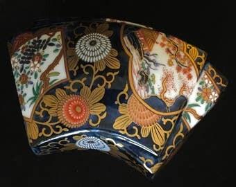 Gorgeous Kisen Japanese Imari Fan Shaped Box