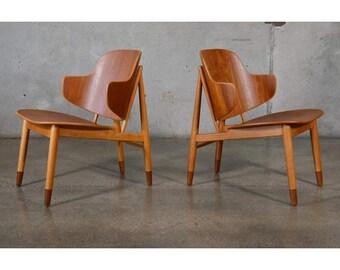 Pair of Teak Shell Lounge Chairs by Kofod Larsen (8KDWWW)