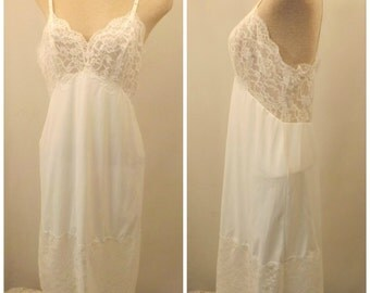 70's Vanity Fair Full Slip White Tricot Nylon Size 36