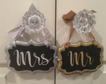 Matching Mr and Mrs signs