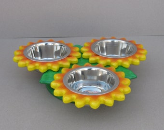 RED & YELLOW SUNFLOWERS (size S and M) - flower shape feeder - dog bowl stand - cat bowl holder - elevated dog dish - raised pet feeder - tw