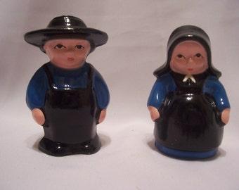 Cast Iron Amish Couple Salt & Pepper Shakers