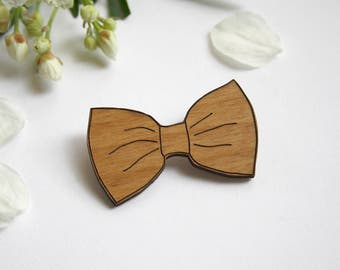 Wooden brooch, bow tie badge, pin's, wedding accessory, wood engraved, man or women jewel, bridemaids gift, Team Bride, made in France