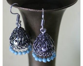 Lina, earrings with oriental charm