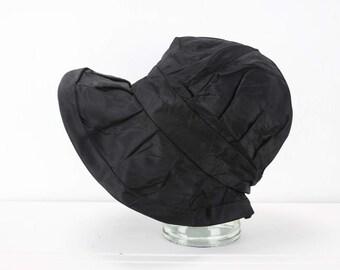 Vintage Women's Hat - Bonnet Cloche - Black - Rayon - 1930's - Spring & Summer Fashion - Art Deco