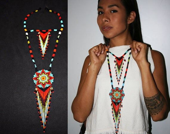 Native American Style Beaded Necklace, Huichol Jewelry, Seed Bead Necklace, Huichol Necklace, American Indian Beadwork, Medallion Necklace