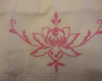 Pillow case with tatted edging