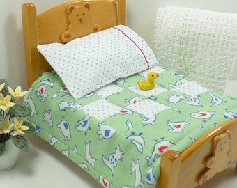 Miniature Dollhouse Green Quilt and Sheet Set Toddler Bedding Farm Animals Teddy Bear Bed 1:12 Scale Handmade Little Doll Pillow Pillowcase
