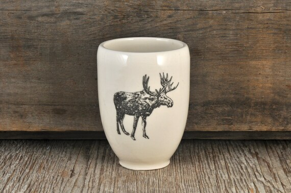Porcelain tumbler with MOOSE illustration print