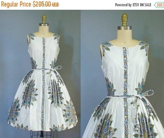 SALE 15% STOREWIDE 1950s floral dress/ 50s novelty cotton sundress/ small