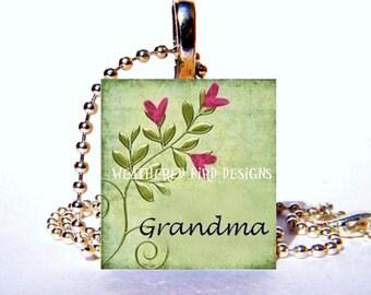Scrabble tile pendant with chain - Grandma 001