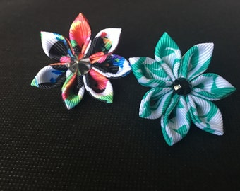 Modern flower lapel pins