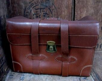 Document Case, Leather Briefcase, Vintage Briefcase, Counsel's Bag, Doctor's Bag, Lawyer's Bag, Attache Case, Briefcase Prop, Large Case