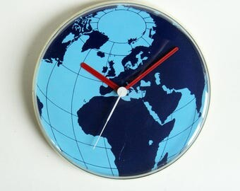 Vintage wall clock pendulum quartz world map globe blue planet earth hour mid century 1970