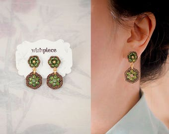 PERIDOT GREEN earrings / light green earrings / birthday gift / august birthstone / hypoallergenic earrings