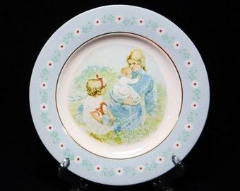 Avon Decorative Plate Display Plate/Mother and Child Collectible Plate/Tenderness/70's Decor/Gift for Mom/1974/Daisy/Pontesa/Spain/Vintage
