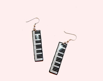 Piano Dangle Drop Earrings, Musical Instrument earrings, Black and White Earrings, Piano Earrings, Gift for her