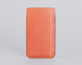 Leather iPhone 7 sleeve  //  fits iPhone 7 iPhone 6/6S  //  made of smooth vegetable tanned italien leather  //  for iPhone 6 and 7