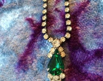 Elegant 1960s Vintage Emerald Rhinestone Necklace - May Birthstone