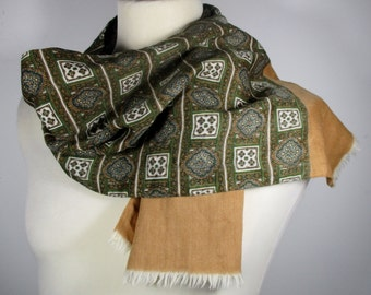 "70s Green Geometric Print Mens Pure Wool Scarf (Length: 44""/111 cm) Mod/Dandy/Sammy -Quality Vintage Menswear-"