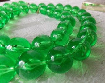 Bold Lucite Green Vintage Beaded Necklace