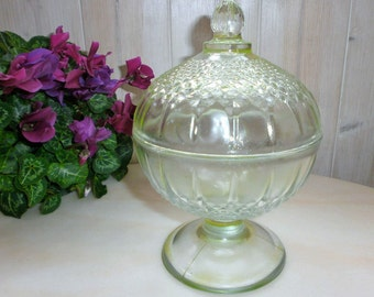 Former French 1920 Art Deco / / Yellow Glass / / / Seyedmehdi / / candy/sugar / / Vintage Sugar bowl //Verre cast / / Molded Glass