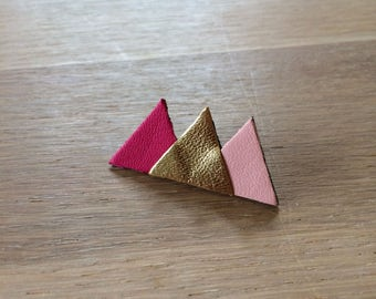 Brooch very T (pink)