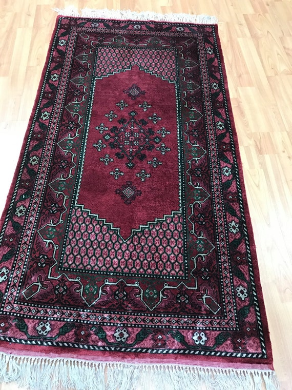 "2'4"" x 4'4"" Tunisian Oriental Rug - Hand Made - 100% Silk"