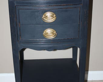 Vintage Thomasville Black Painted Nightstand/2 Drawer Small Nightstand w/ Shelf/Distressed Nightstand/End, Side Table