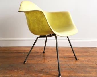 Herman Miller Eames Zenith Rope Edge Armchair
